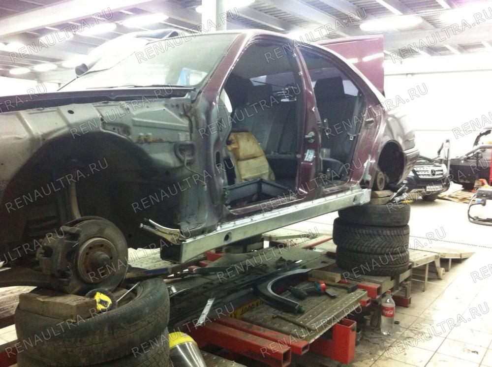 Смотреть подробности о ремонте Mercedes E320 W210. 1998 г.в. Замена порогов, покраска автомобиля кроме крыши.