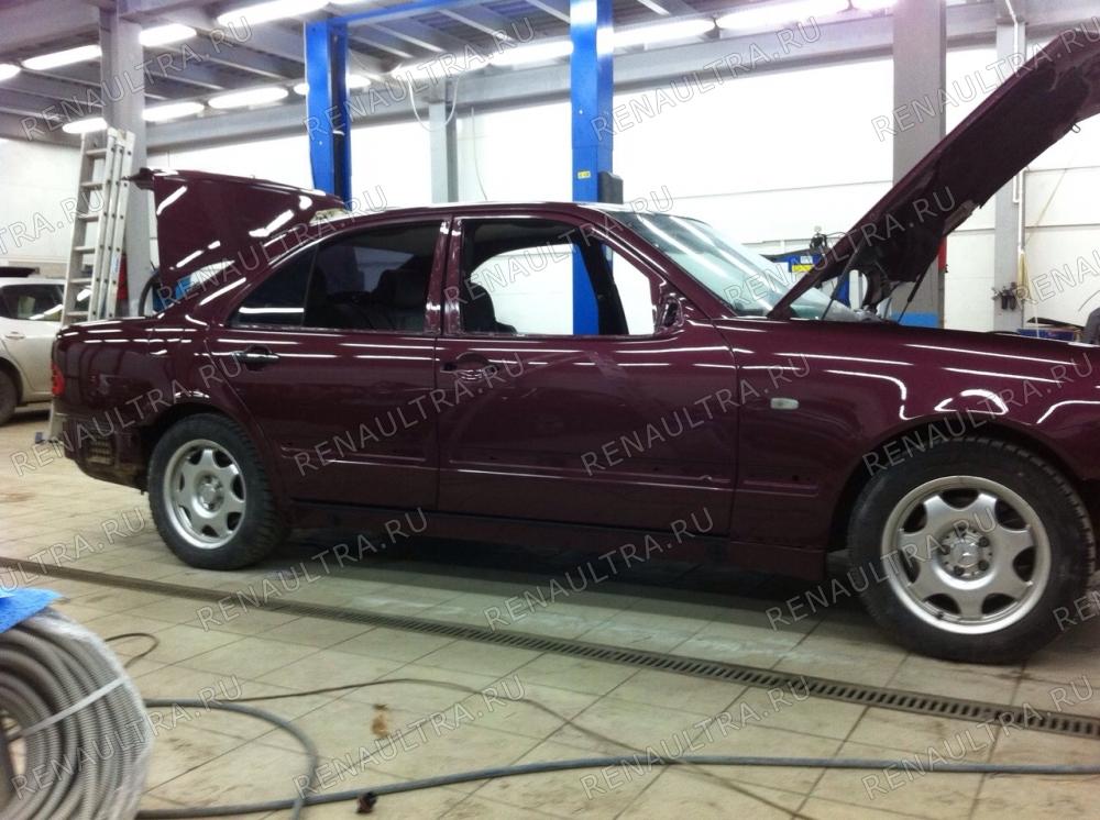 Mercedes E320 W210. 1998 г.в. / Замена порогов, покраска автомобиля кроме крыши. / СТО Р-Кузов / ремонт