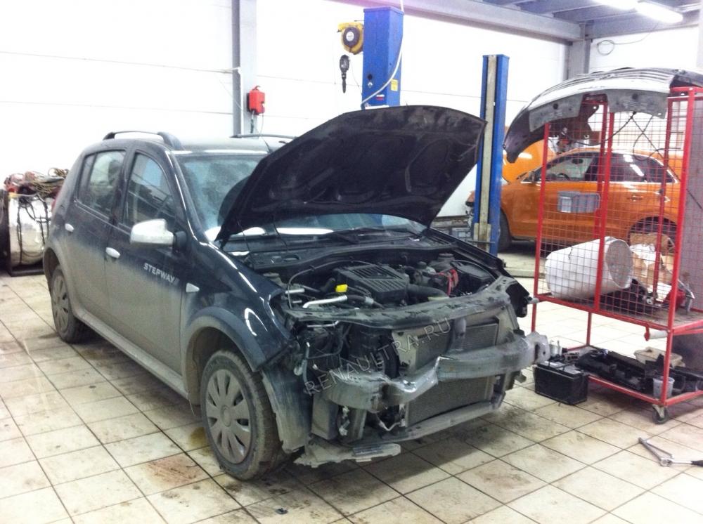 Смотреть подробности о ремонте Renault Sandero Удар в переднюю часть автомобиля